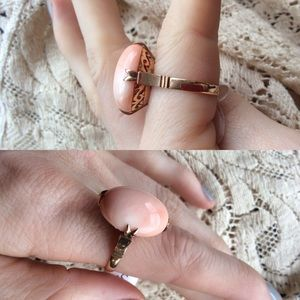 Vintage Jewelry - 14K Gold Peach Coral Filigree Ring